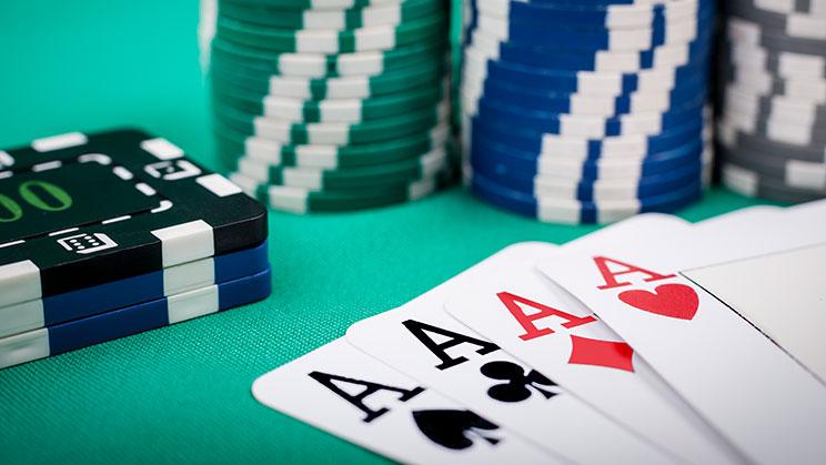 Pengambilan Keputusan Dalam Permainan Poker Online